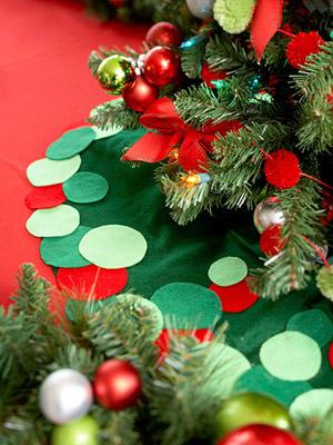 Юбка для новогодней елкой