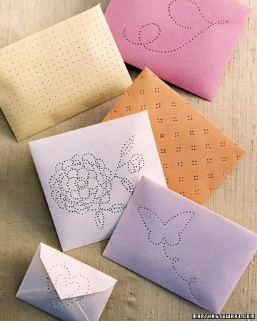 Как украсить конверты