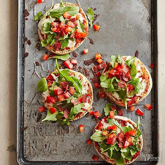 Мини пицца с куриной грудкой и томатом | domcreative.ru